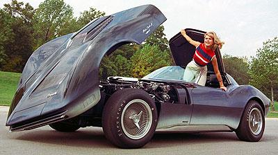 10 5 65 Running Mako Shark Ii Shown To The Automotive Press