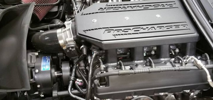 AMP-C7-Corvette-Z06-ENgine-720x340