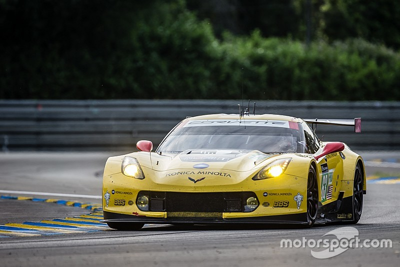 lemans-24-hours-of-le-mans-2015-63-corvette-racing-corvette-c7-r-jan-magnussen-antonio-gar